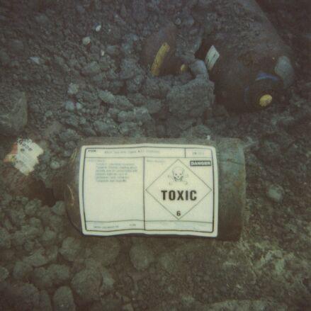Toxic01